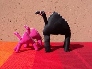 Petits modèles roses - Grand modèle noir