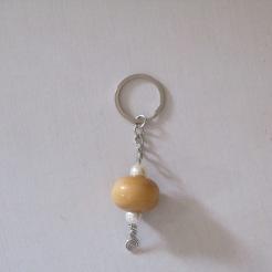 Perle en bois et perles nacrées