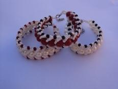 Variation en perles nacrées